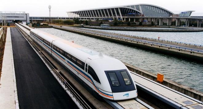 リニアモーターカー(上海磁浮列车)