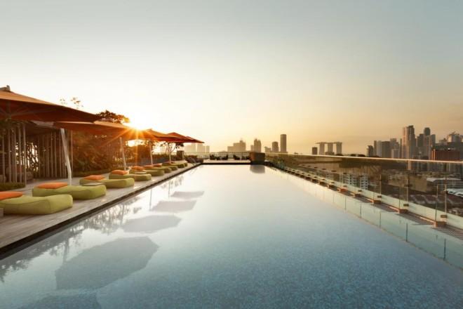 ホテル ジェン オーチャードゲートウェイ シンガポールのプール