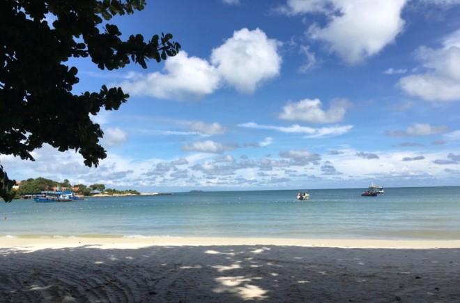 サメット島のビーチ