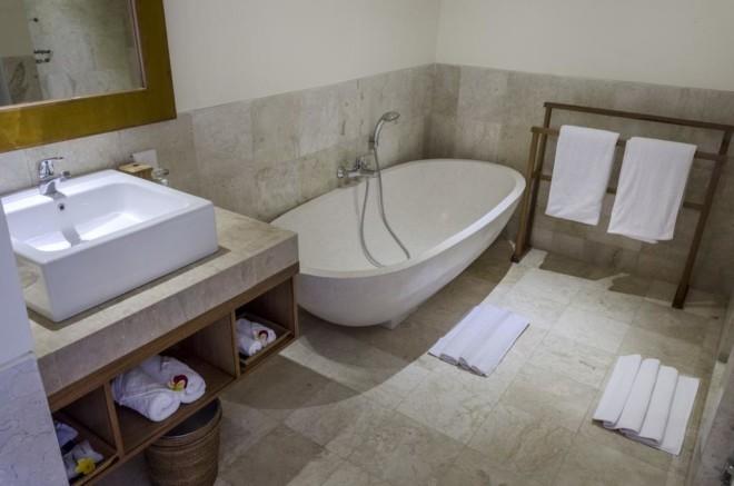 サポディラ ウブド ホテルのバスルーム