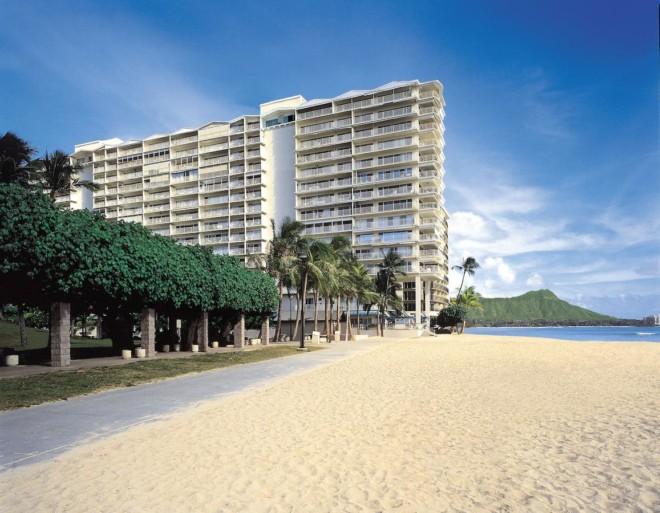 ワイキキ ショア by アウトリガー (Waikiki Shore by Outrigger)