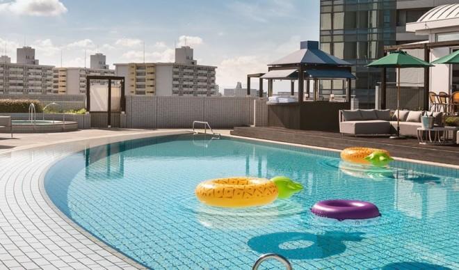 ハイアットリージェンシー 大阪の屋外プール